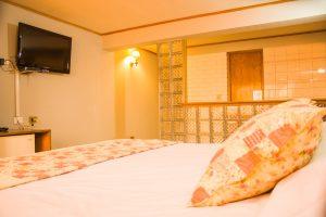Suite-estándar-king-matrimonial-2-300x200