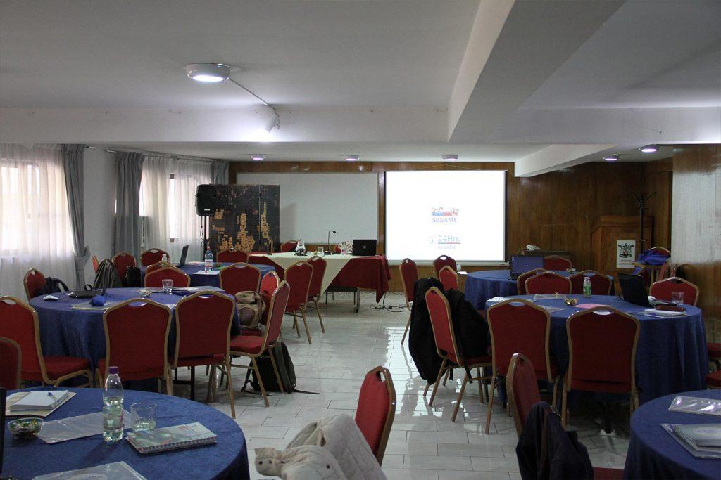 salon-mesaredonda2-1024x683